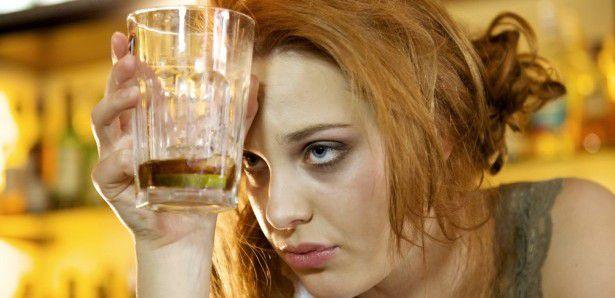zena alkoholicar