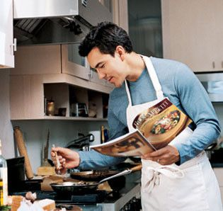 muskarac kuhinja