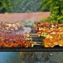Ako niste stigli marinirati meso, postoji trik koji će ga učiniti finijim i sočnijim dok se peče