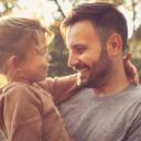 Da li su očevi generalno nježniji i pažljiviji sa kćerkama nego sa sinovima?