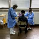 U FBiH u prioritetne grupe za vakcinisanje dodani uposlenici u obrazovnom sektoru, policiji, medijima