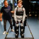 Otac napravio egzoskelet kako bi omogućio sinu da hoda