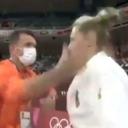 Bizarna situacija u Tokiju: Trener ošamario džudistkinju, javnost osudila potez