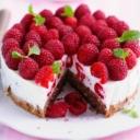 Lagana torta s malinama i jogurtom gotova za 15 minuta