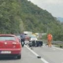 Saobraćajna nesreća kod tunela Crnaja: Sudarili se automobil i motociklista