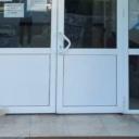 Crna Gora: Pad danima čeka ispred bolnice svog vlasnika koji je na liječenju