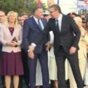 Urnebesno neugodan video: Stevandić se pokušao rukovati s Vučićem