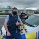 Dječak nazvao policiju i pozvao ih u svoj dom kako bi im pokazao igračke – oni se zaista odazvali